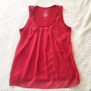 New York & Company red pleated shell tank top